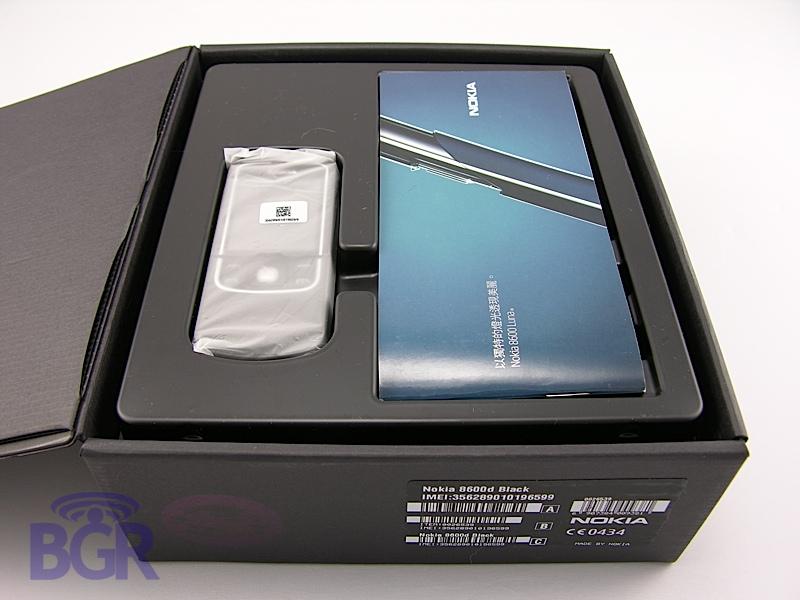Nokia8600Luna4