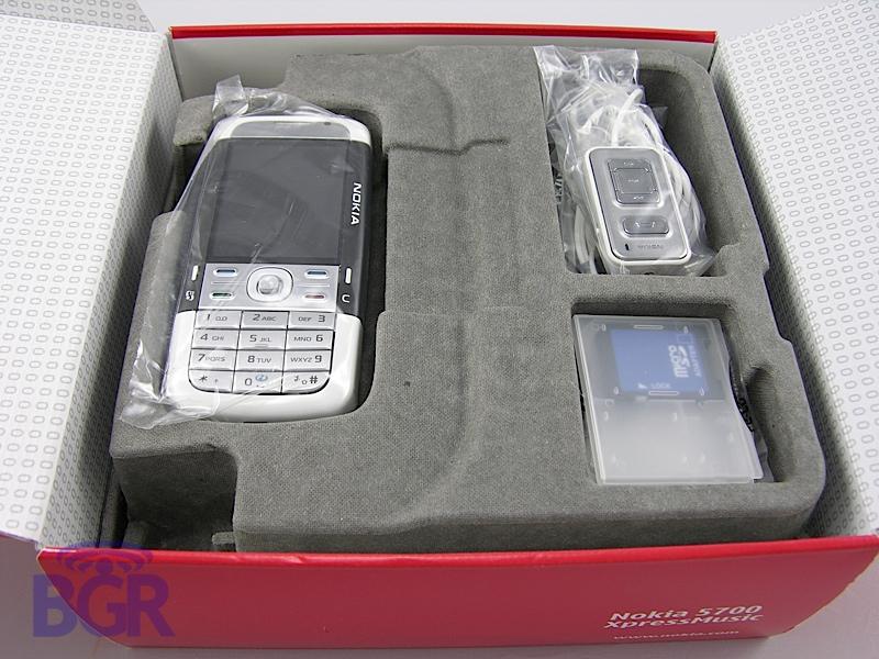 Nokia_5700_3
