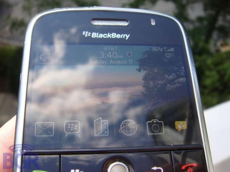BlackBerryBoldPavement5