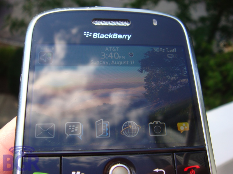 BlackBerryBoldPavement5