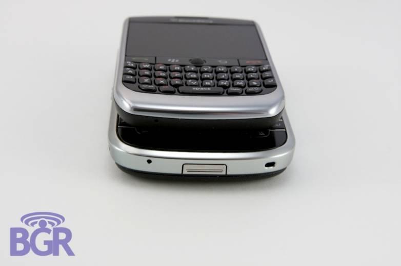 BlackBerryCurve8900_1