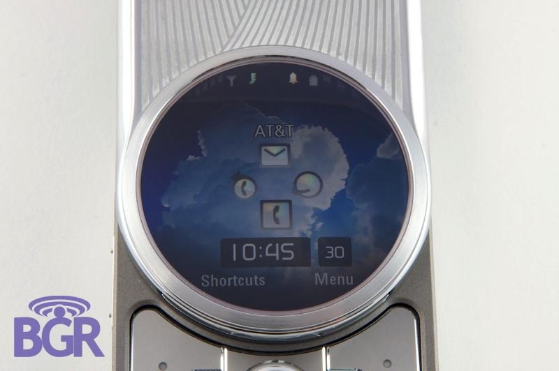 MotorolaAura8
