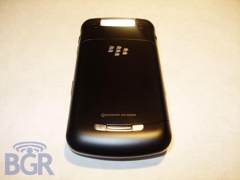 telus-blackberry-8230-pearl-flip-6