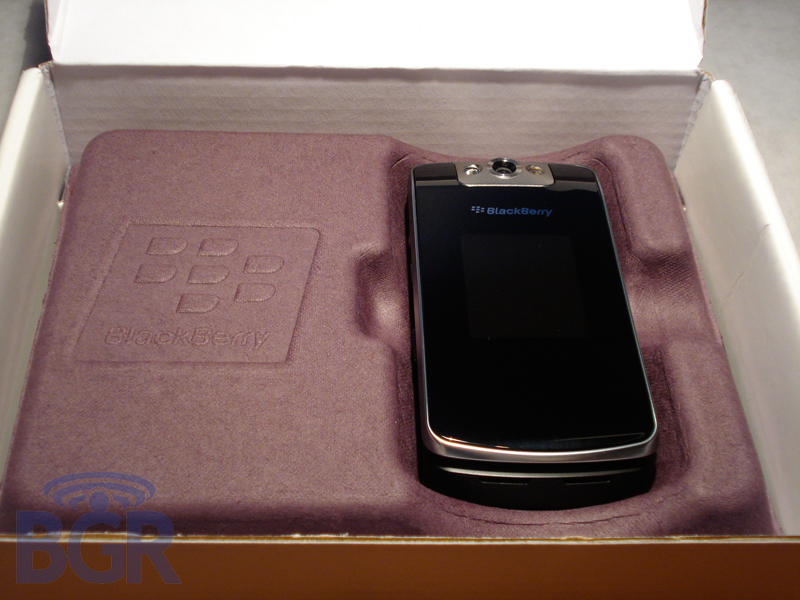 telus-blackberry-8230-pearl-flip