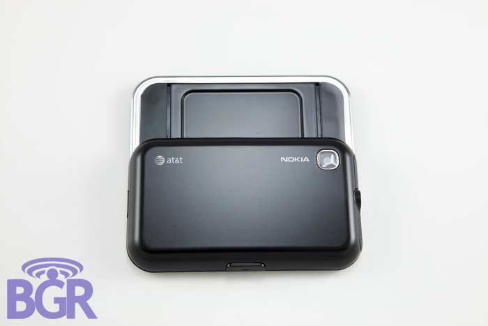 Nokia6790_7