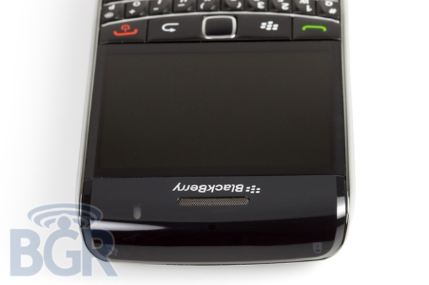 blackberry-bold-9700-4