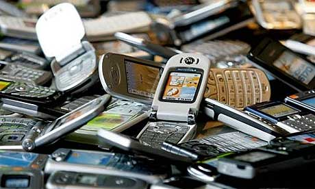mobile-phones-pile