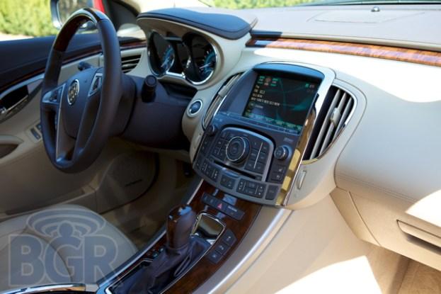 Buick-LaCrosse-1