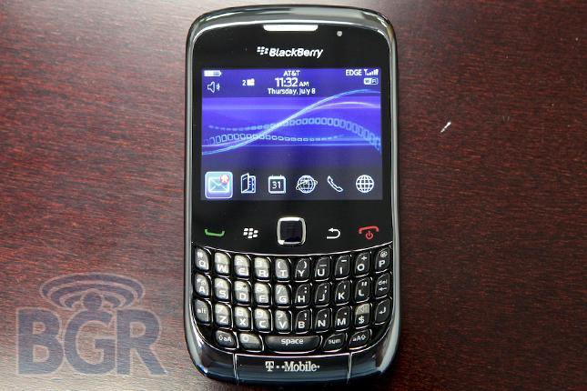 BlackBerryCurve9300-1