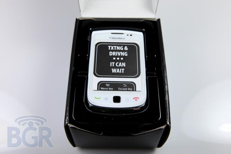 blackberry-torch-9800-white-1
