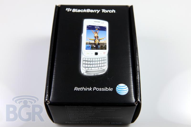 blackberry-torch-9800-white-2