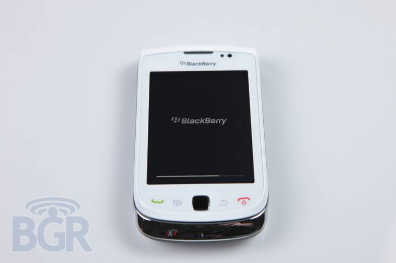 blackberry-torch-9800-white-4