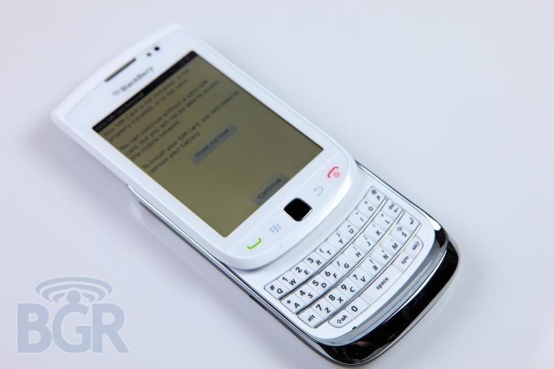 blackberry-torch-9800-white-7
