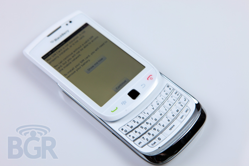 blackberry-torch-9800-white-7