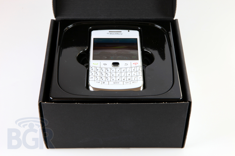 blackberry-9780-white-2
