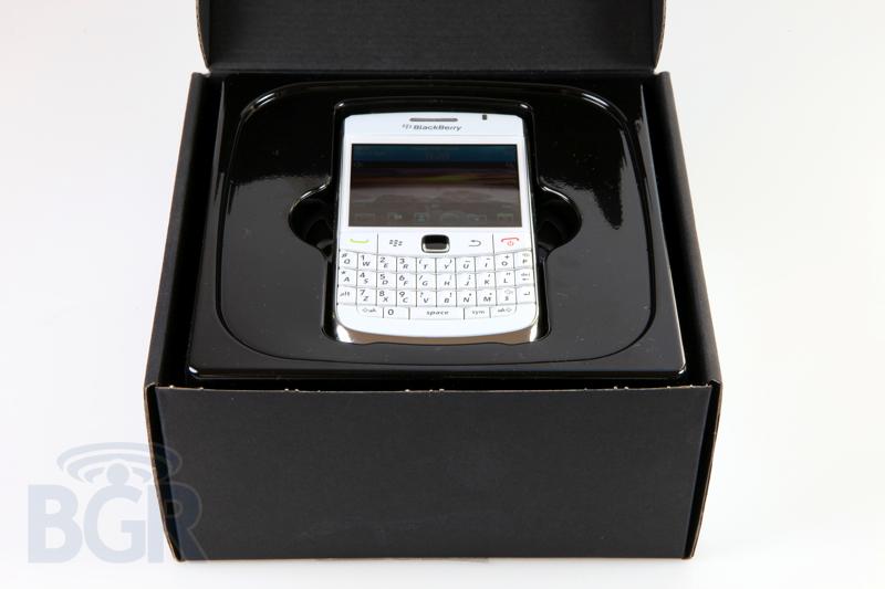 blackberry-9780-white-2