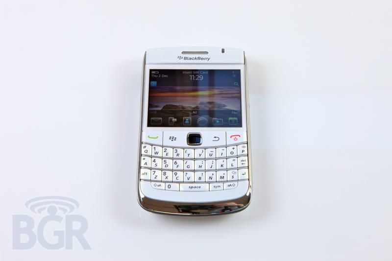 blackberry-9780-white-4