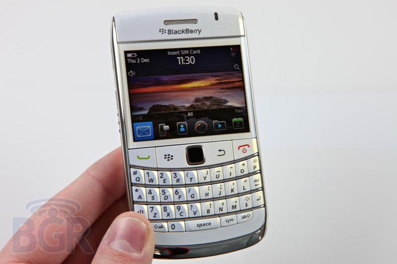blackberry-9780-white-5