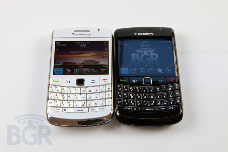 blackberry-9780-white-7