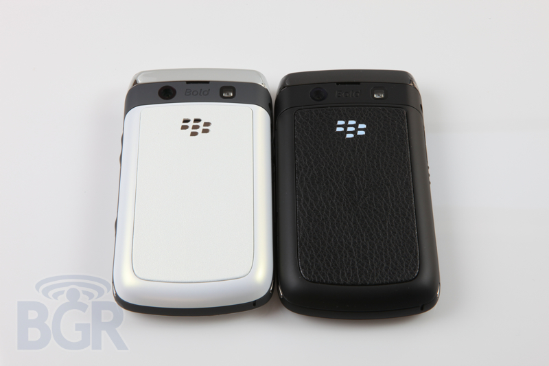 blackberry-9780-white-8
