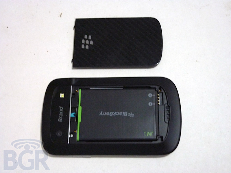 blackberry-bold-touch-9930-4110407151131