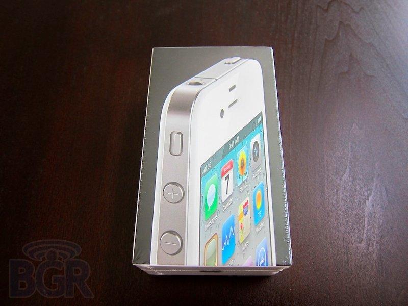 white-iphone-4-2110427185450