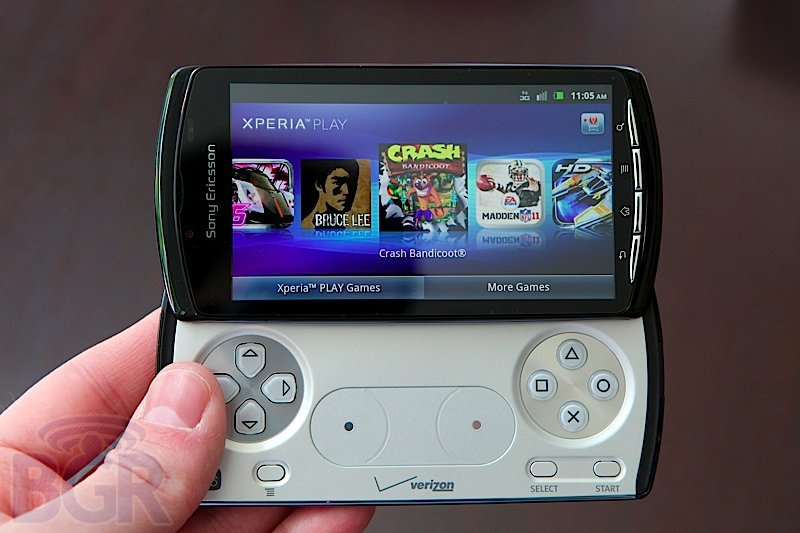 bgr-xperia-play-8110525151957