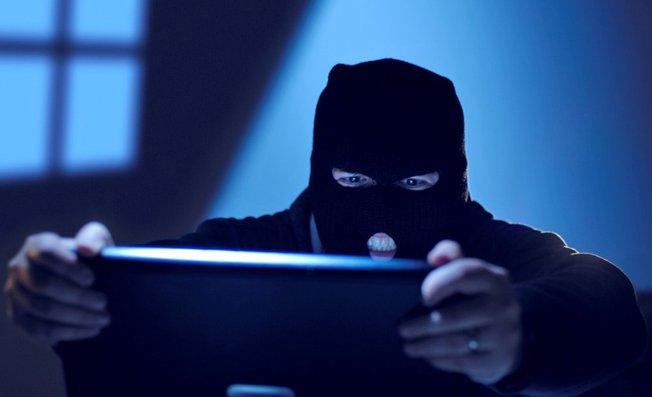 Facebook Google Twitter Yahoo Passwords Stolen