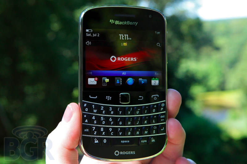 blackberry-bold-9900-10110811145723