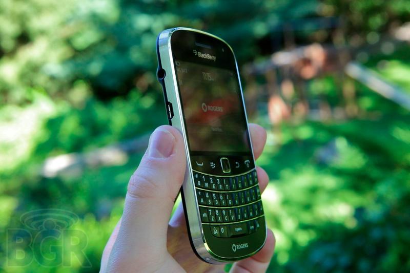 blackberry-bold-9900-1110811145704