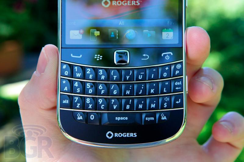blackberry-bold-9900-11110811145724