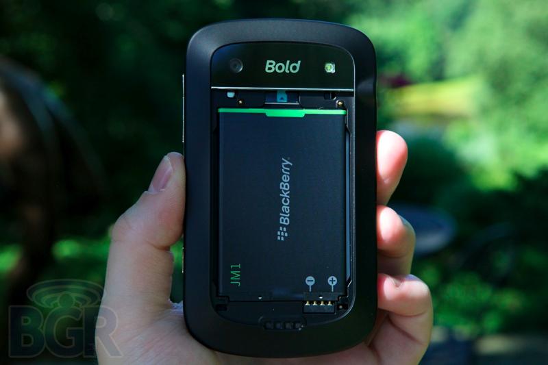 blackberry-bold-9900-12110811145726