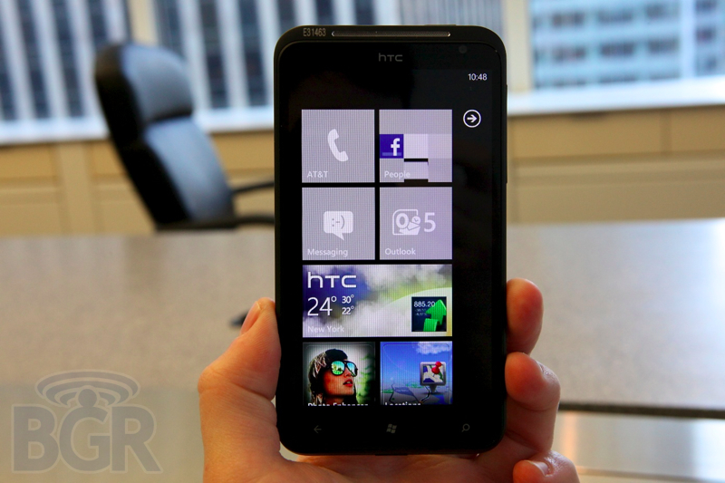 htc-titan-hands-on-2110901182613