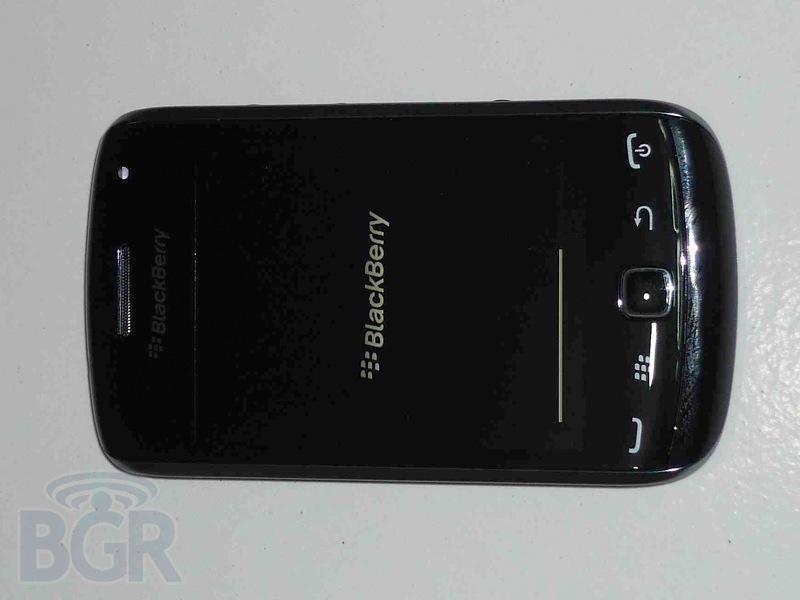 blackberry-curve-9380-1110913143747