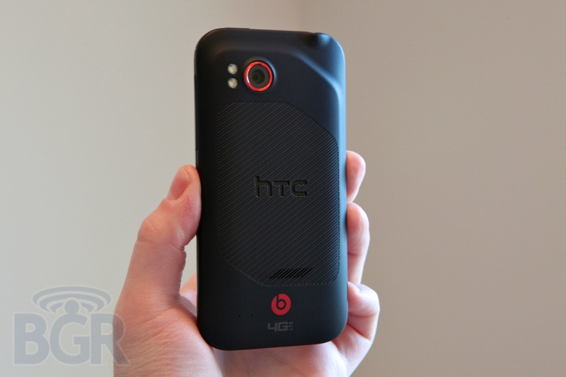 htc-rezound-hands-on-5