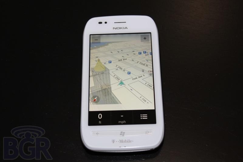bgr-t-mobile-lumia-710-3