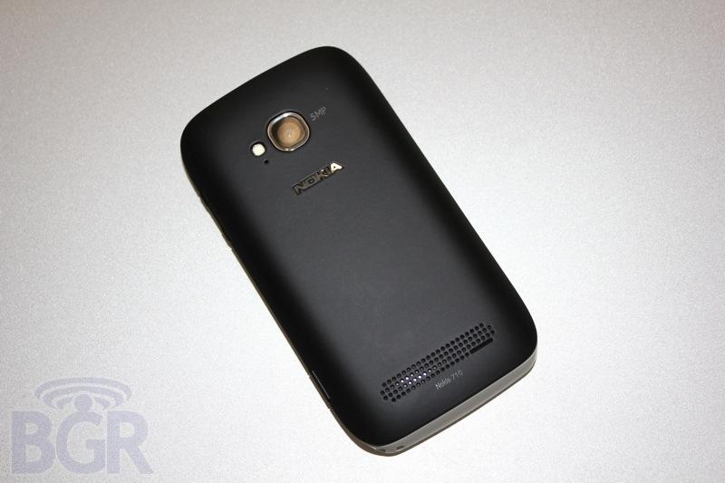 bgr-t-mobile-lumia-710-9