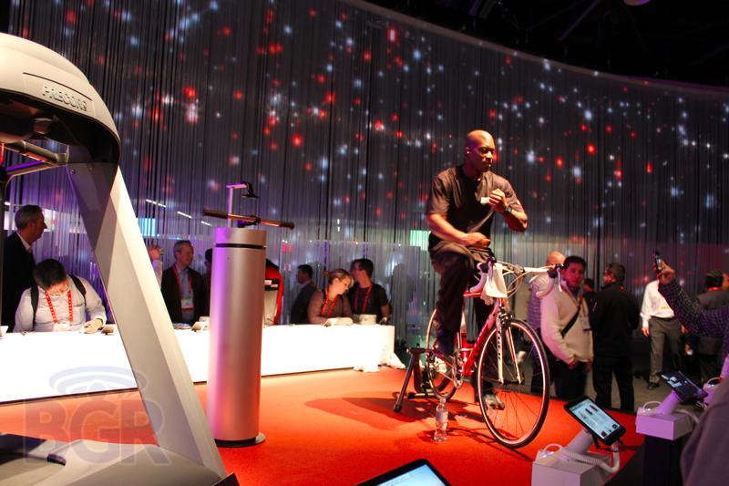 motorola-booth-tour-2012-ces2
