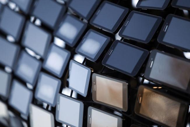 Smartphone Shipments 2013