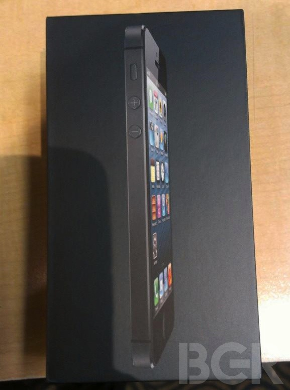 iPhone 5 Unboxing Photos