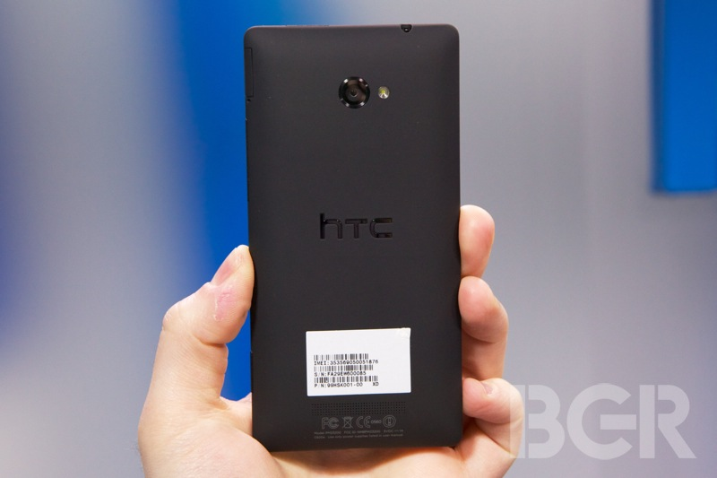 htc-windows-phone-8x-2