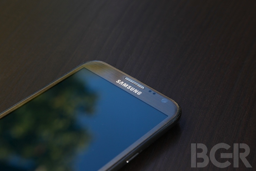 Rumor: Samsung mulls ditching plastic build for Galaxy Note III
