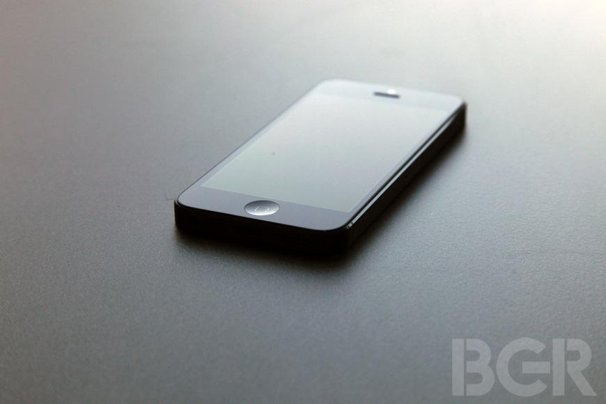 iPhone 5S Leaked Pictures Fingerprint Scanner