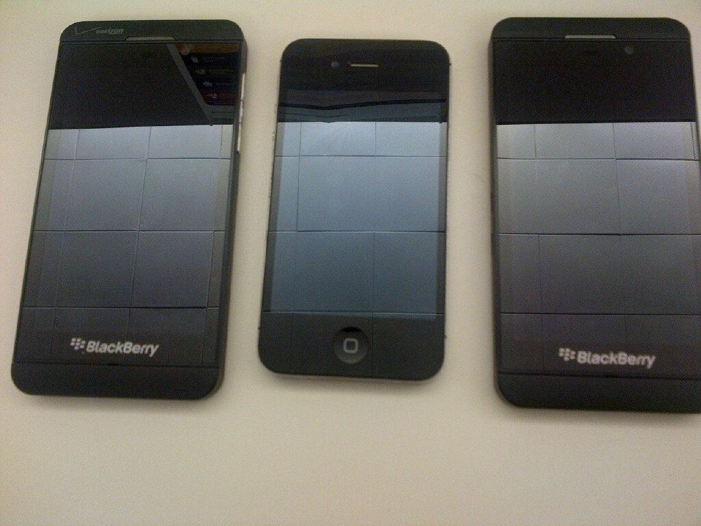 Leaked BlackBerry Z10 Images