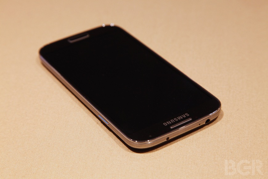 Galaxy S 4 Preview Plastic