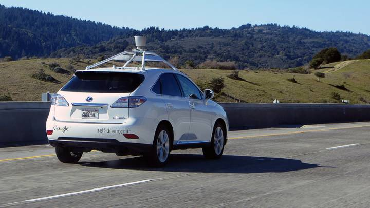 Driverless cars expected to go mainstream by 2025