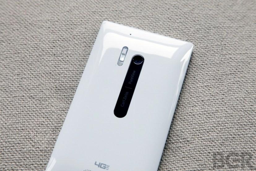 BGR-nokia-lumia-928-6