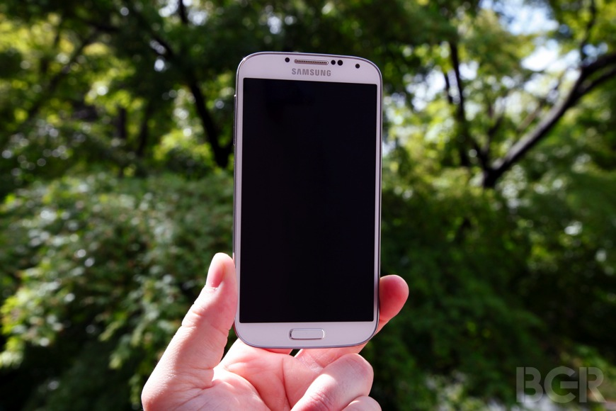 BGR-Samsung-Galaxy-S4-review-8