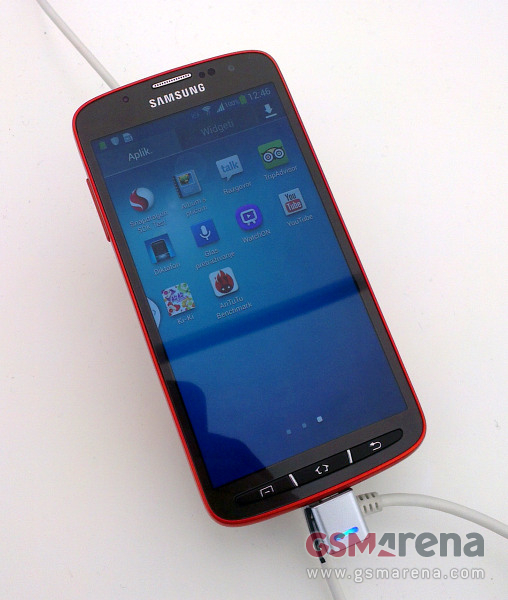 galaxy-s4-active-leak-1