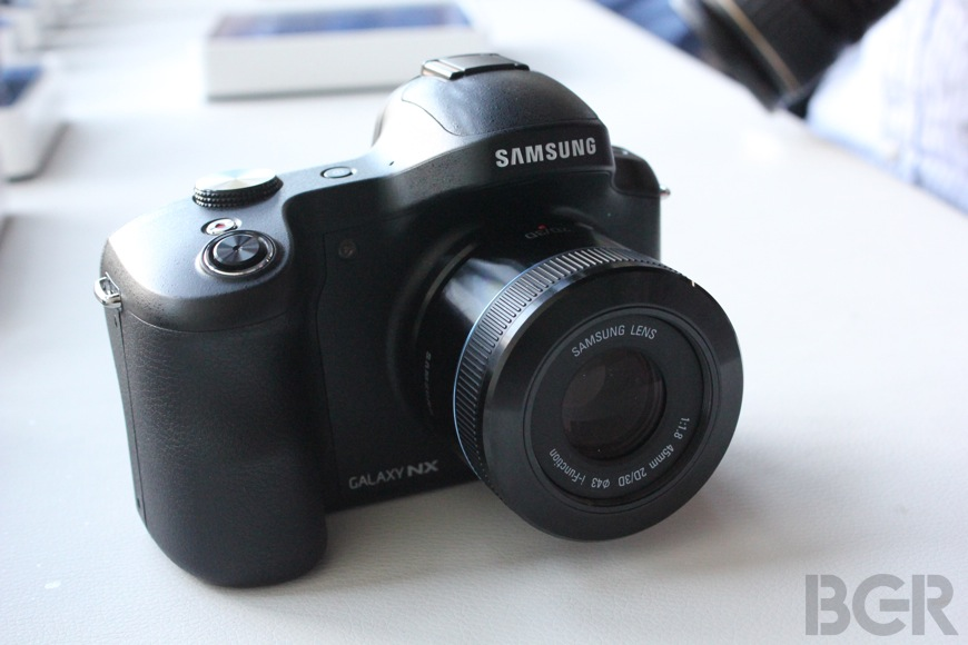 Samsung Galaxy NX Preview